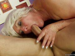 порно зрелых женщин с натуральными сиськами