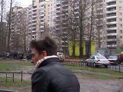 порно парень и девушка на улице